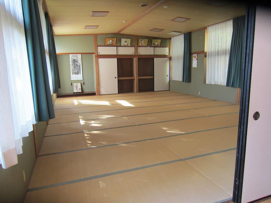 Meeting room 28畳の大広間