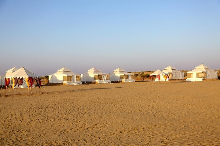 Sunny Desert Camp: Experience desert lifestyle