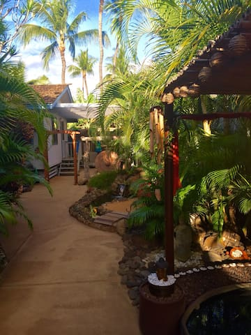 Cottag Oasis- beautiful watergarden - Kihei - Hus