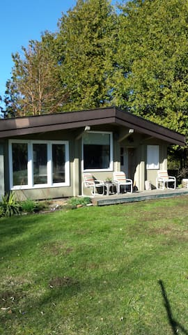 Balmy Bed and Breakfast - Owen Sound - Bed & Breakfast