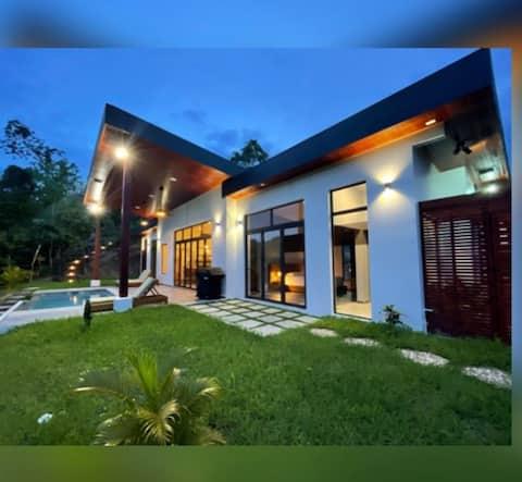Stunning & Luxurious Mountain Top Villa