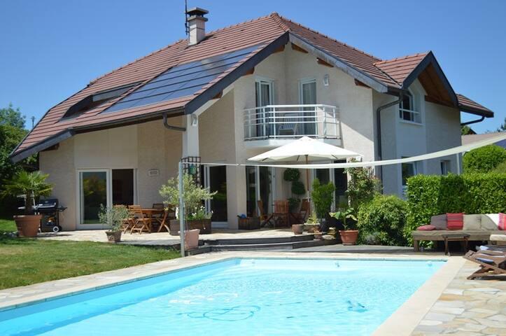 Annecy le Vieux - Charming villa, Pool: Isabelle