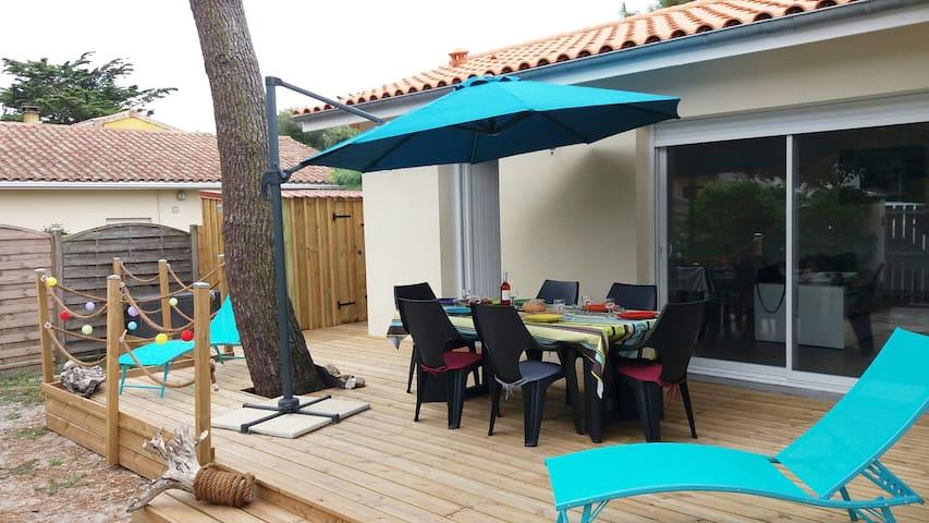 Renoviertes Ferienhaus in guter Strandlage