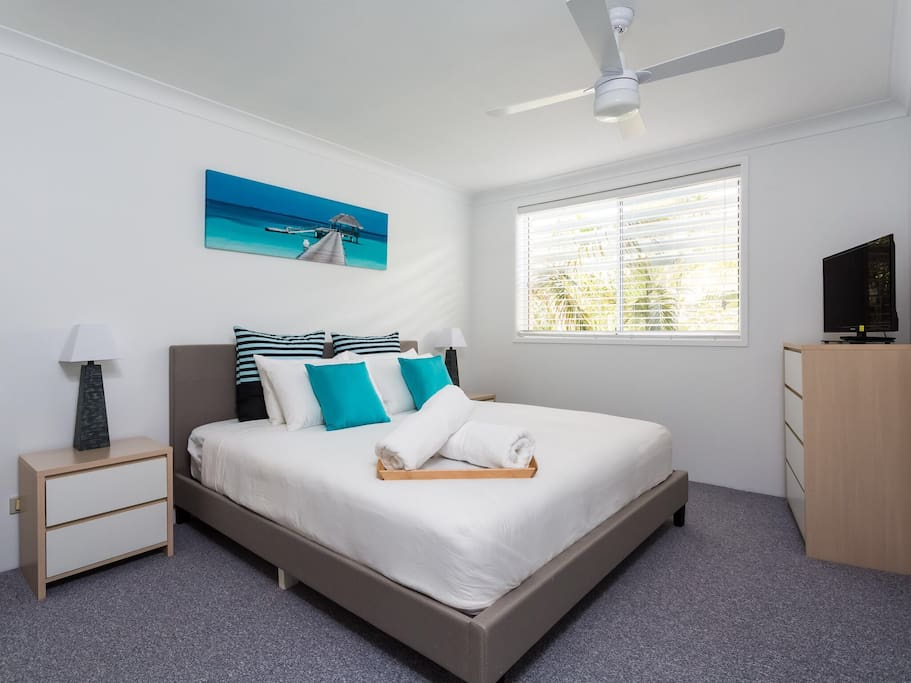 Master bedroom, king size bed, TV/DVD and ensuite