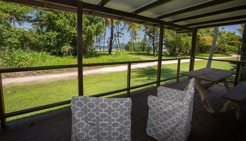 Bev's on the Beach  - Absolute Beachfront Cottage