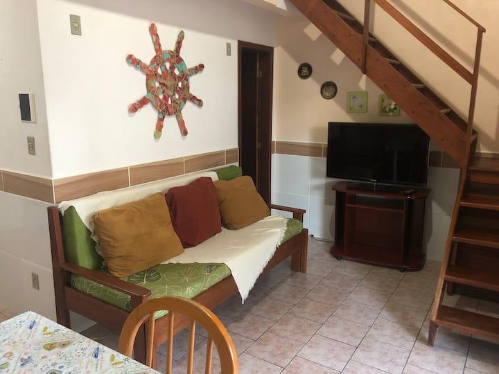 Lindo e espaçoso apartamento em Canasvieiras I