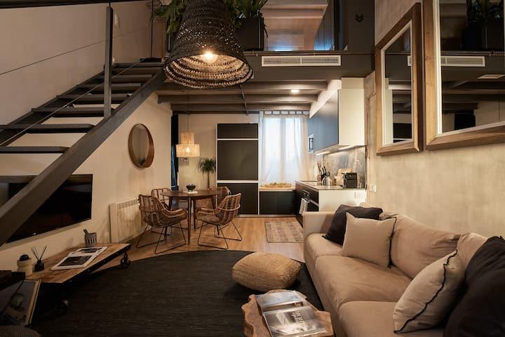 Two Bedroom Modern Duplex in Gràcia