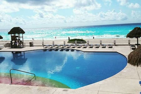 Camilo's Luxury Shared Townhouse - Cancún