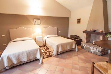 Tenuta Ciminata Greco - Appartamento monolocale - Rossano Stazione - ที่พักพร้อมอาหารเช้า