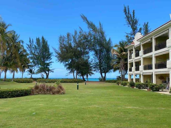 Ground floor beach apartment with Ocean View
