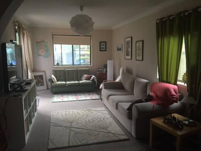 Big quite sunny 2 story house - Croydon Park - Haus