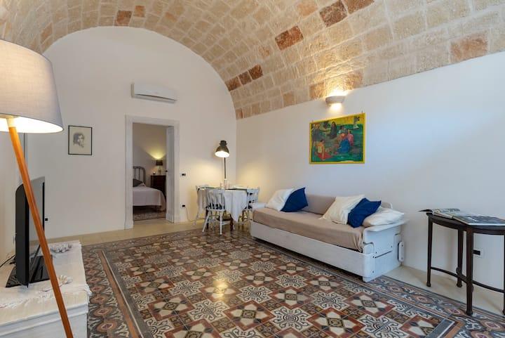 Charming Historic Apartment in Puglia near the Sea