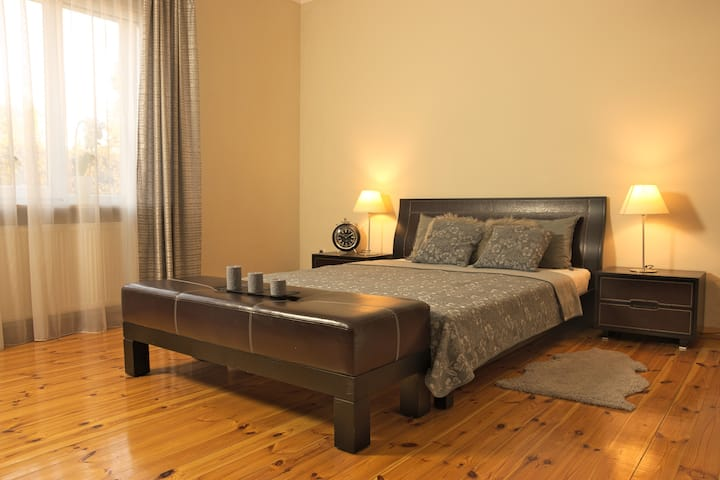 Classy 2bed in residential area