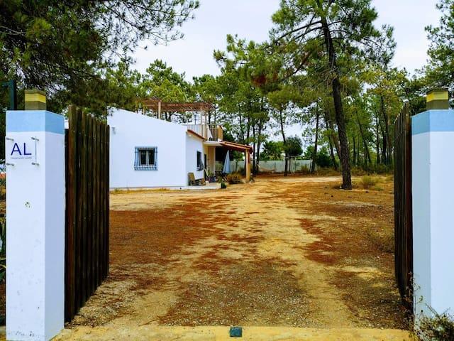Casa do Pinheiro - Parque Natural da Ria Formosa.