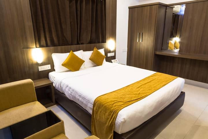 Deluxe Room Near Wilson Garden, bangalore