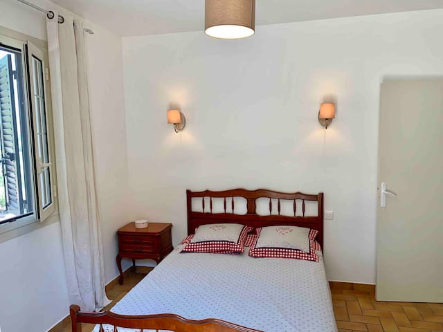2 eme chambre avec matelas tout neuf en 140