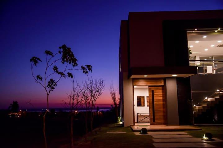 Espléndida casa, en el mejor lugar!