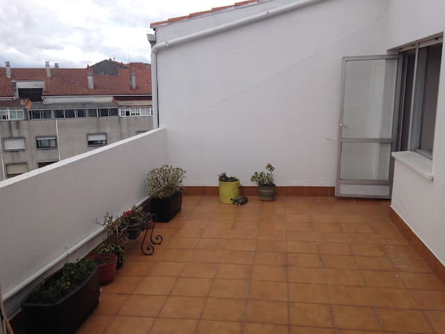 Apartamento con terraza en el centro de Santiago - Santiago de Compostela - Appartement