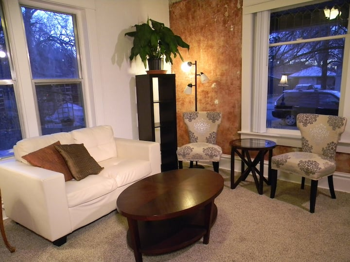 Chic & Spacious Liberty Park Apt!