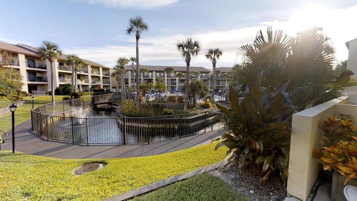 Ocean Villas 136: Ground Floor 3 Bedroom Condo in gated complex with 2 Pools (1 heated) Very large patio!!