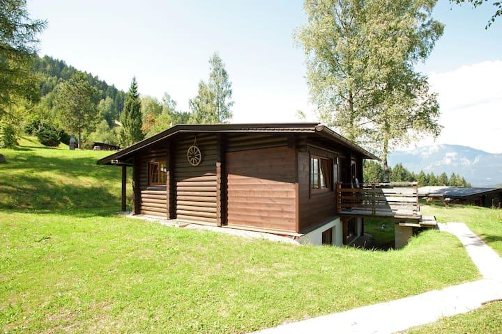 Grazioso chalet con giardino privato a Wörgl-Boden