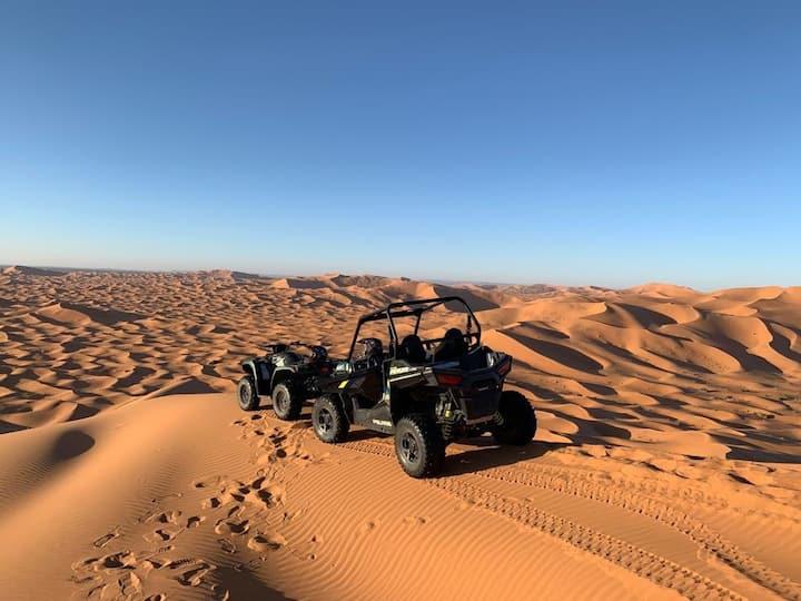 Campamento tipico y lujo. Paseo en camellos
