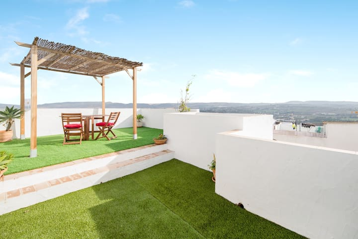 Charming Apartment Albarrana in Historic Centre with Terrace, Amazing Views & Air Conditioning