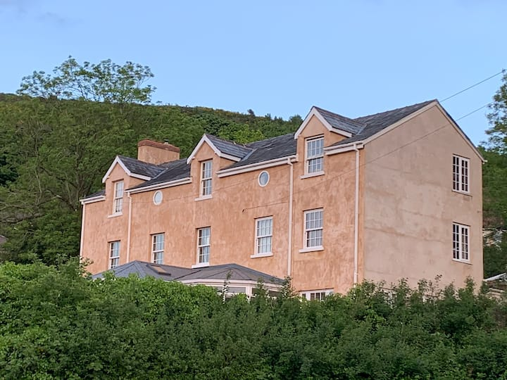 Large Holiday Home on Malvern Hills, Fab Views.