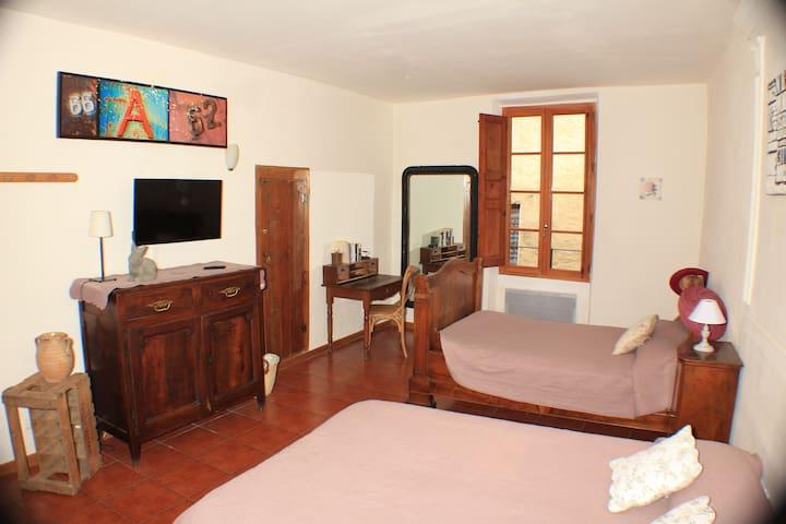 Chambres a louer L'escalo - Moustiers-Sainte-Marie - House