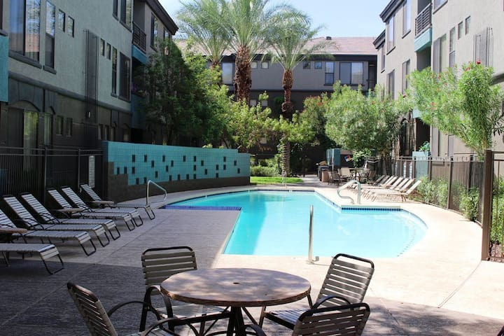 Beautiful modern one bedroom apartment - Phoenix - Apartment