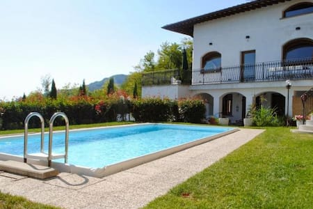 Beautiful panoramic refurbished villa with pool - Pescia