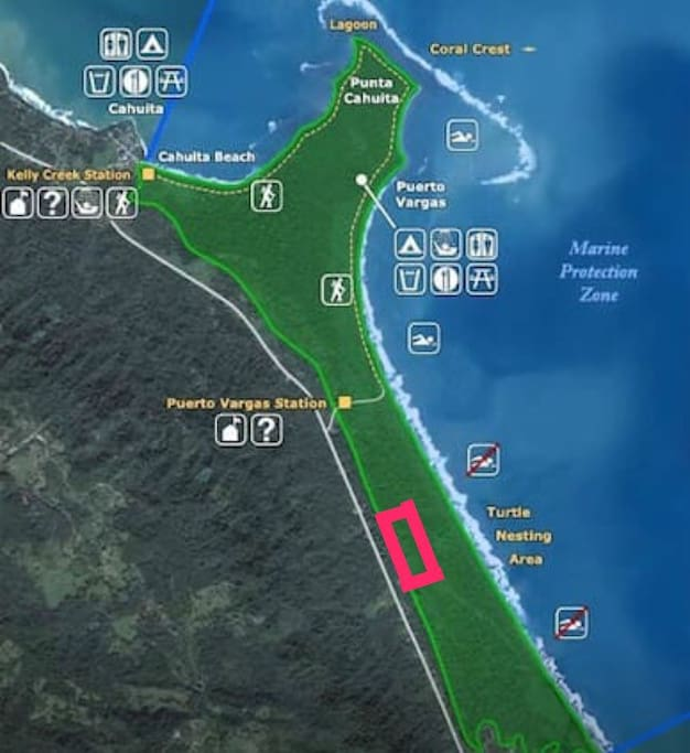 House is next to the national park Cahuita Puerto Vargas and very close to the beach.