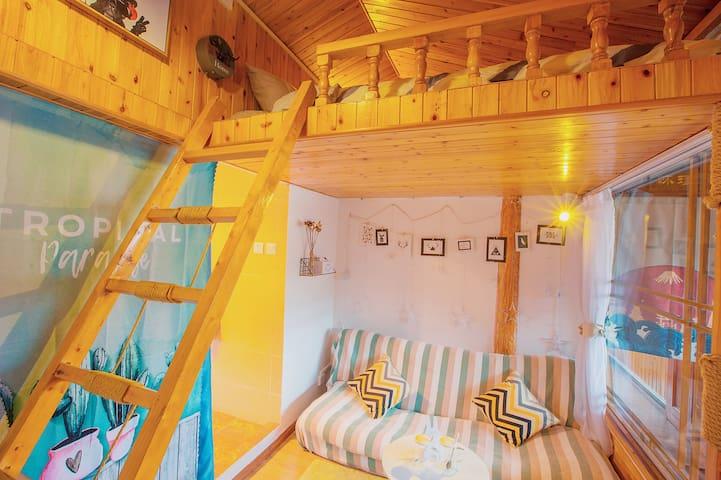 「豆蔻 · 記」丨Loft · 法国学院风丨复式阁楼大床房,古城里七一街 · 位置便利 · 采光通透