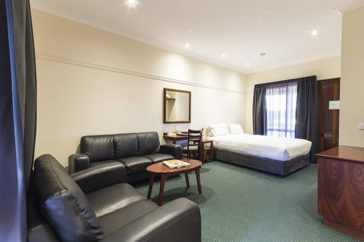 Stay Margaret River-King Room with Breakfast