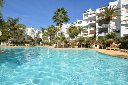 Beachfront apartament Costa del Sol, Estepona - Эстепона - Квартира