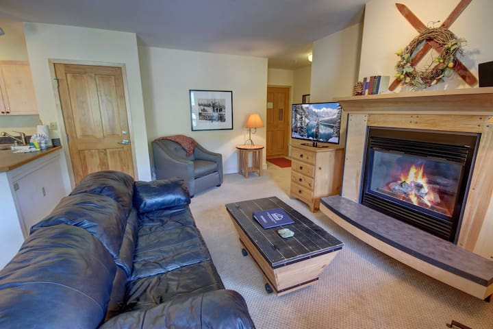 Silver Mill 8234 - Spacious corner unit, Walk to gondola