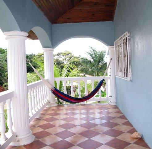Queen Conch Manor