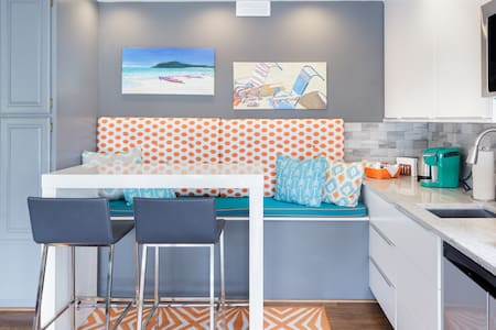 Relax at a Colorful Guest Suite on Pine Lake