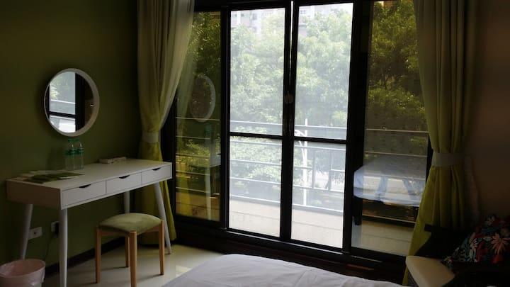305綠花房(雙人房)