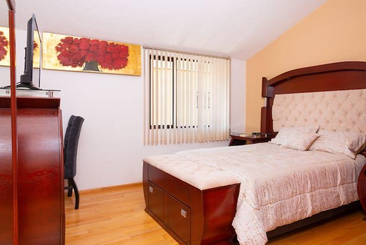 suite/oficina cómoda recién renovada en Metepec