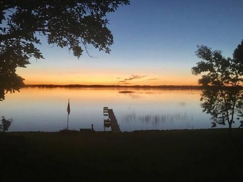 Buchanan Lake Serenity Suite