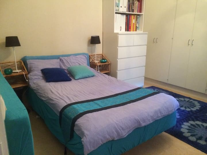 Big quiet room close to Odenplan station