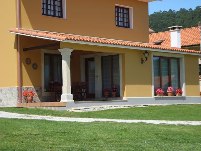 Casa Valouta (Casas Cuncheiro)