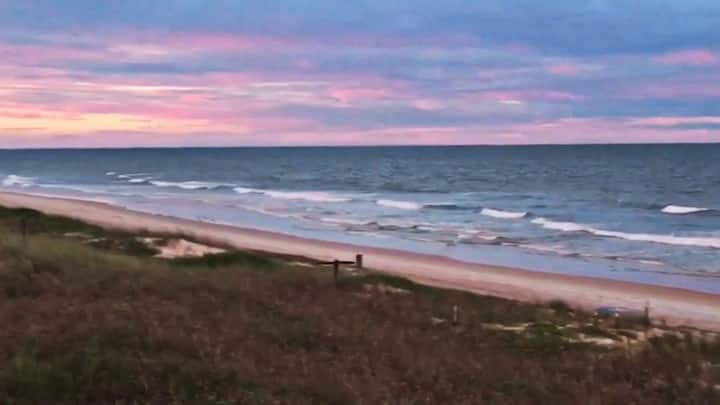 Ideal FL condo -- pristine beach, river vu, quiet