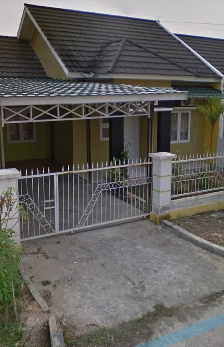 Rumah Aaron Homestay - Rumah 3BR Bontang