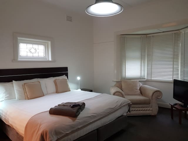 The Camperdown Mill - Two Bedroom Premium Cottage