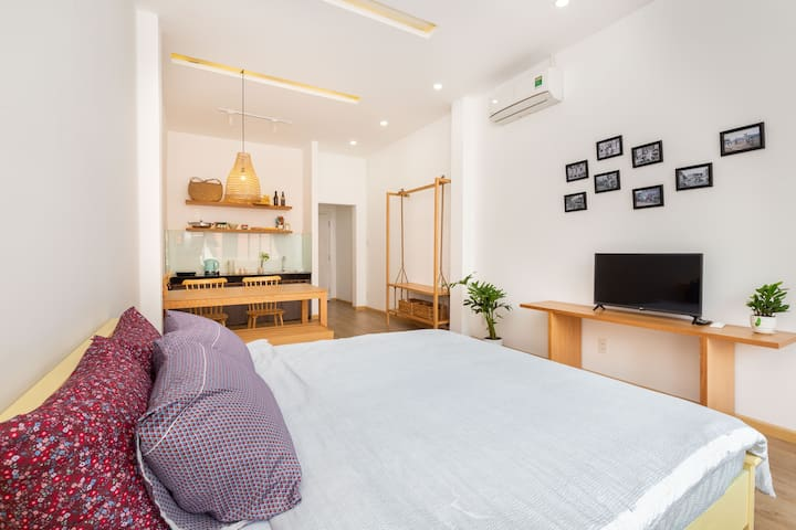 BenThanh Market 3min walk 35m2 & Private Balcony1