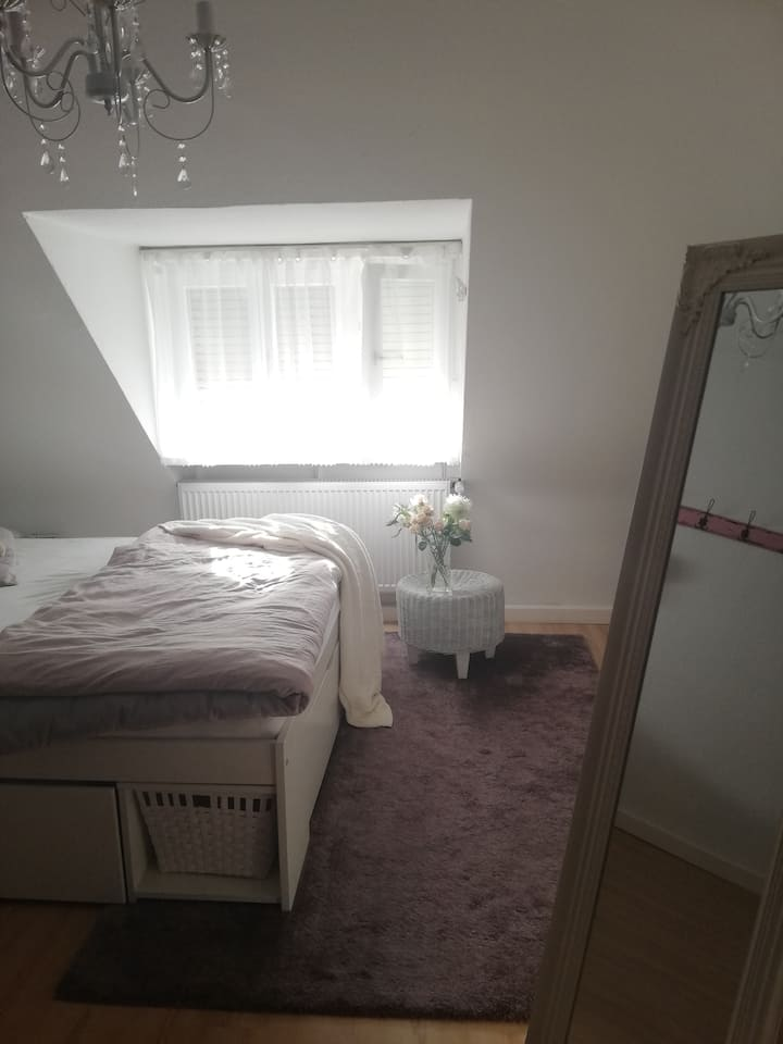 Privatzimmer, 13 m², in Zweiraumwohnung