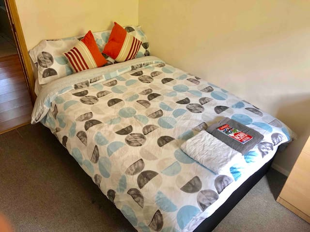 2C Camden Town Cosy Private double Room London Zoo