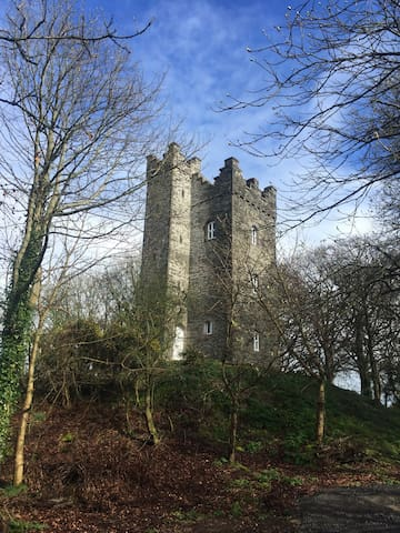 Drummond Tower / Castle